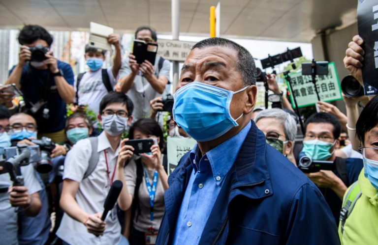 Hong Kong, arrestato il 73enne magnate Jimmi Lai